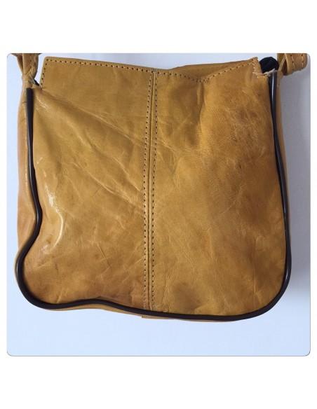 Pochette en cuir artisanal